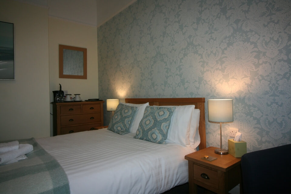 Tennyson Bridlington Room 2 First Floor Twin En-Suite